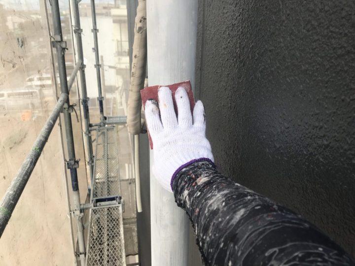 雨樋塗装/ケレン・清掃