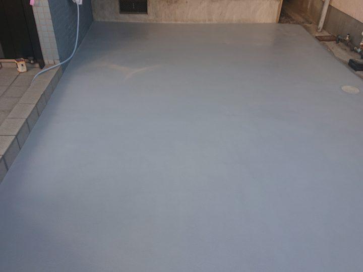 ガレージ床舗装/中塗り