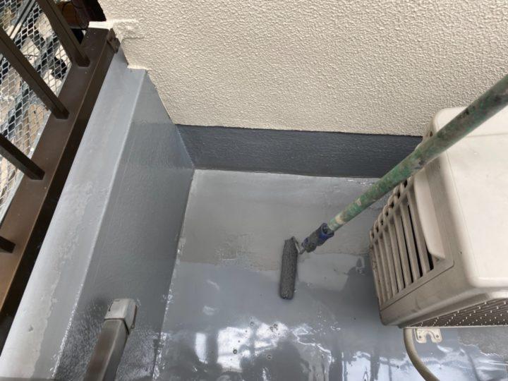 ベランダ防水/ウレタン1層目