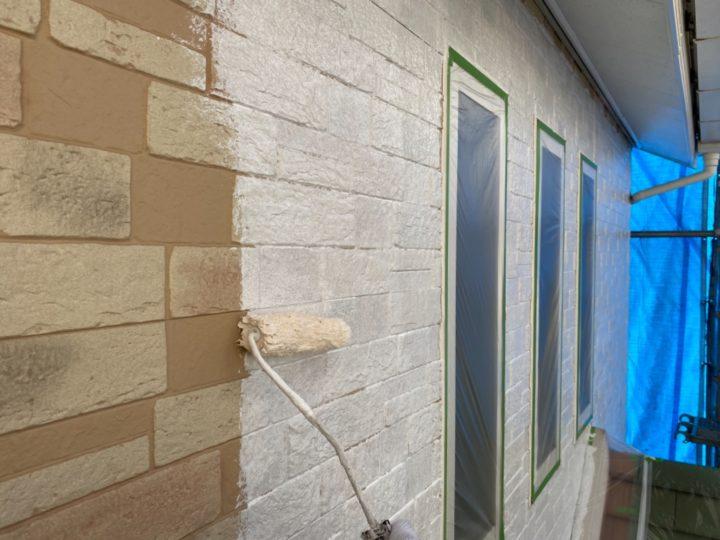外壁塗装/下塗り2回目