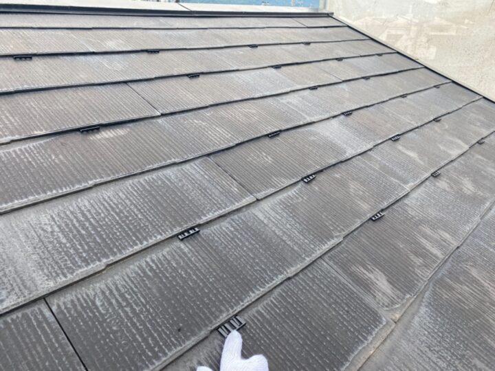 屋根塗装/タスペーサー挿入