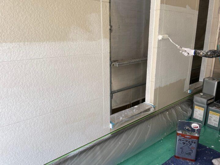 サイディング壁塗装/下塗り2回目