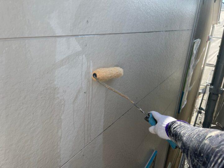 サイディング壁塗装/下塗り1回目