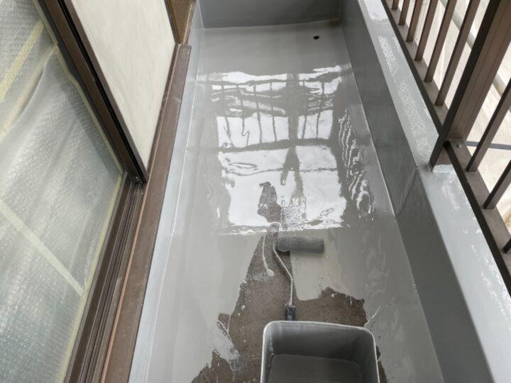 ベランダ防水/ウレタン1層目塗布