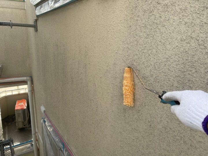 モルタル壁塗装/下塗り1回目